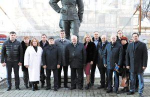 Депутатов поздравили с праздником