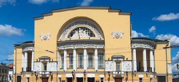 СЕРГЕЙ ПУСКЕПАЛИС: Особый статус театра – особая ответственность