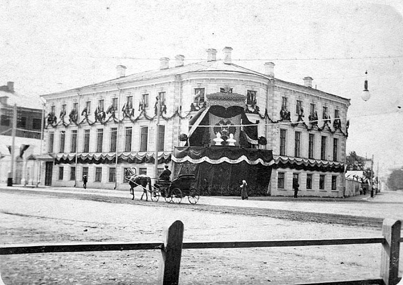 yaroslavskaya-gorodskaya-duma-vo-vremya-priezda-nikolaya-ii