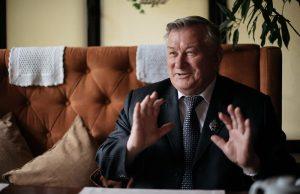 Владимир Голов: «Нужно быть не чиновником,  а человеком»